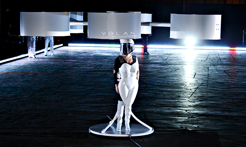volantis-flying-dress