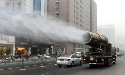 china-is-fighting-against-smog-with-a-giant-mist-cannon
