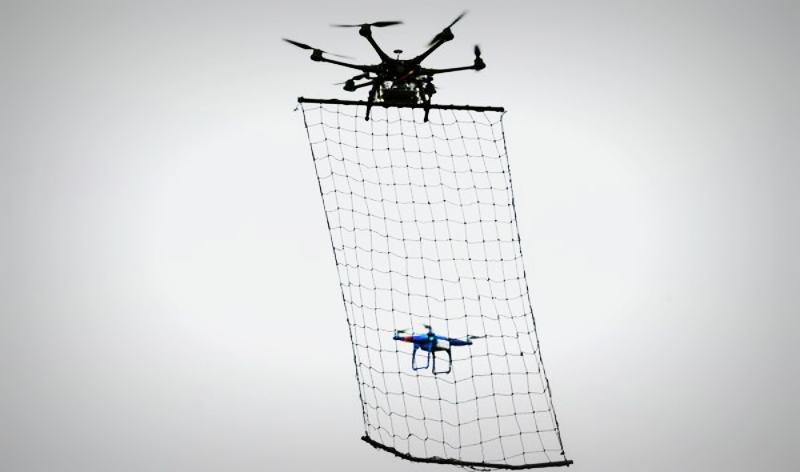 introducing-police-drone-in-tokyo-to-take-out-other-drones