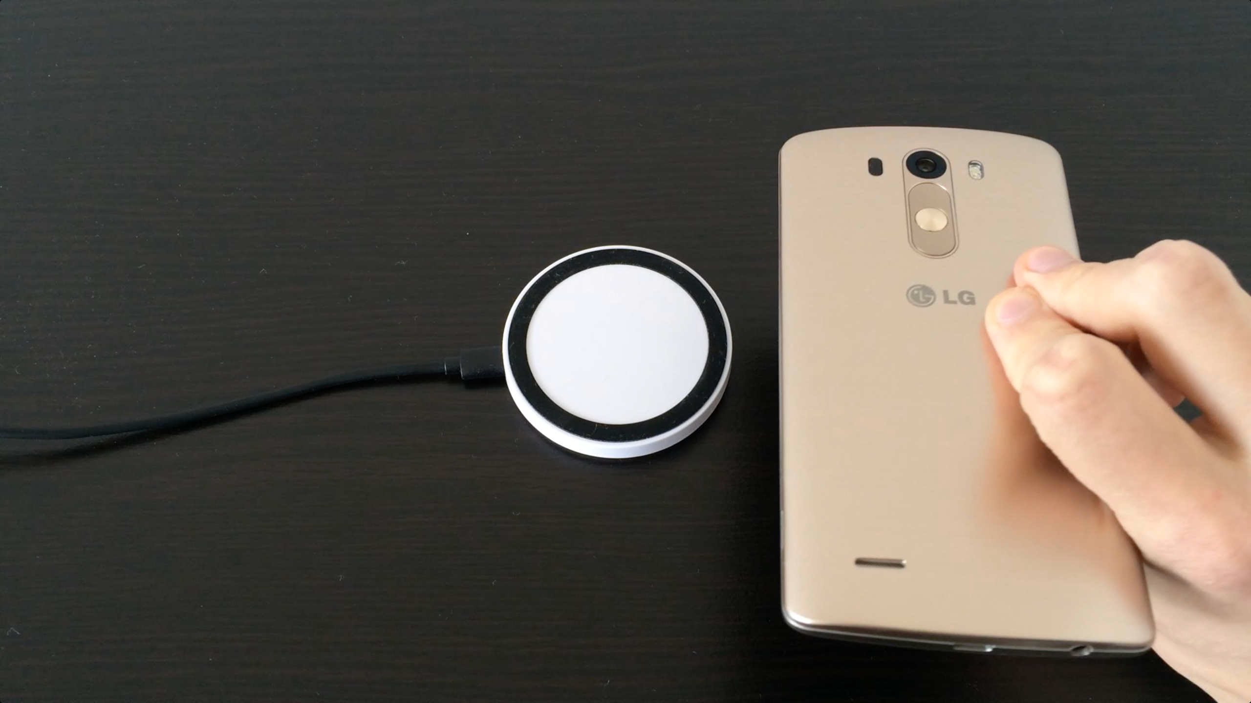 this-lg-wireless-charger-will-amaze-you-in-seconds