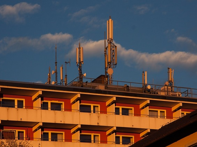 Indian court orders to break off a Mobile tower