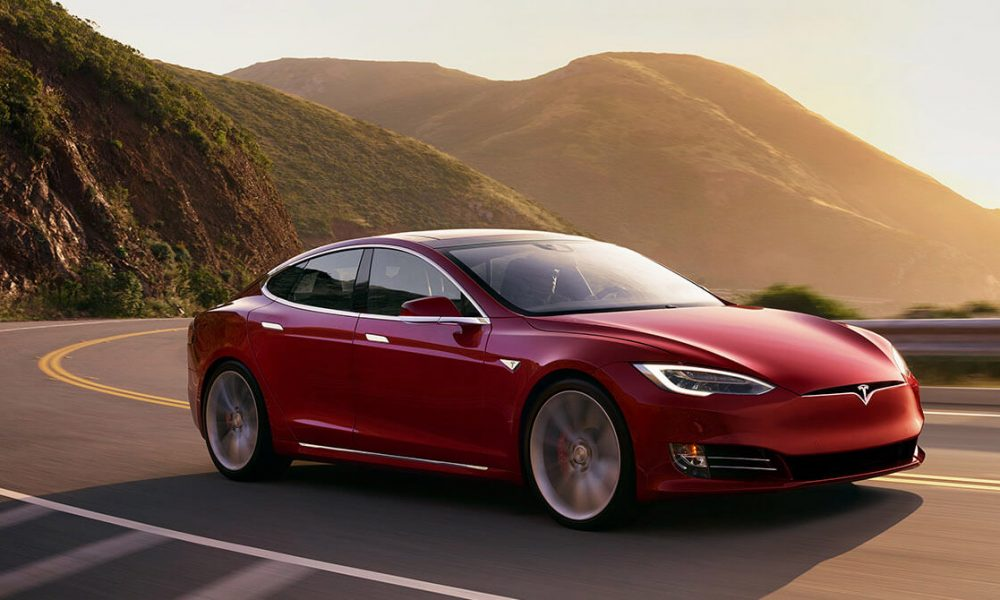 Tesla Model S P100D breaks distance record