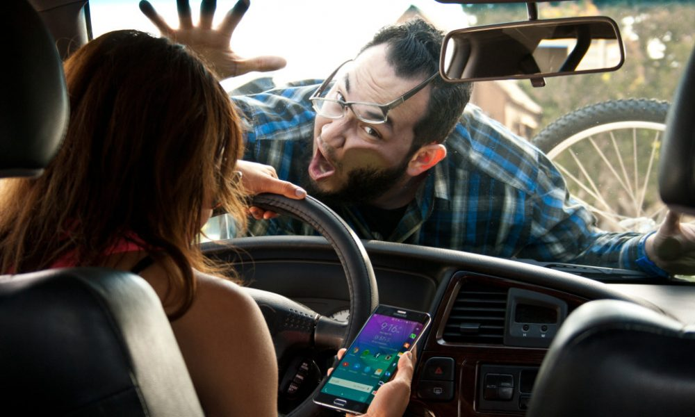 Texting While Driving >> Now Ai Will Know If You Re Texting While Driving Thetechnews