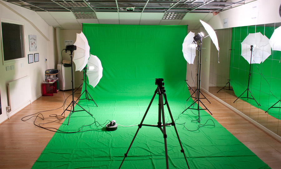AI and machine learning is being use to replace green screen by Youtube